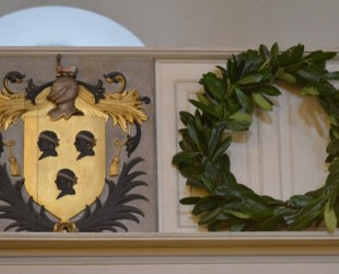 Mico Crest & Wreath